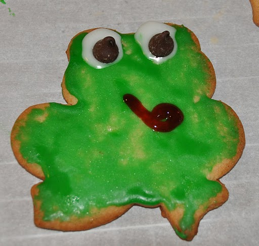Parsha Recipes: VaAyra. Frog Cookies.
