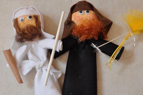 Parsha Craft Toldot Yaakov And Esav Puppets Challah Crumbs