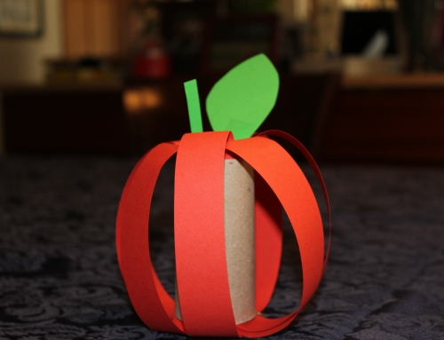 Rosh HaShana Centerpieces: Toilet Paper Roll Apples