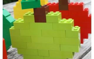 build-a-lego-apple-with-basic-bricks